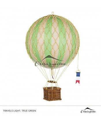 Macheta balon cu aer, Travels Light, True Green